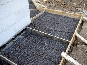 Короткометражка Столбчатый фундамент с ростверком и опалубкой: строим сами