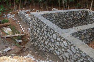 Строить подпорную стену из бута